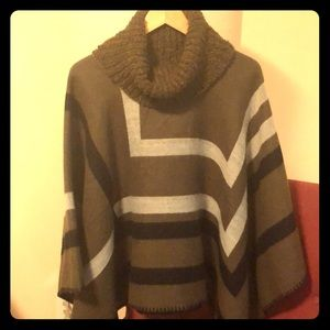 Sweaters - Like new geometric turtleneck poncho
